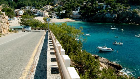 Alquiler de coches en Ibiza menores 25 años